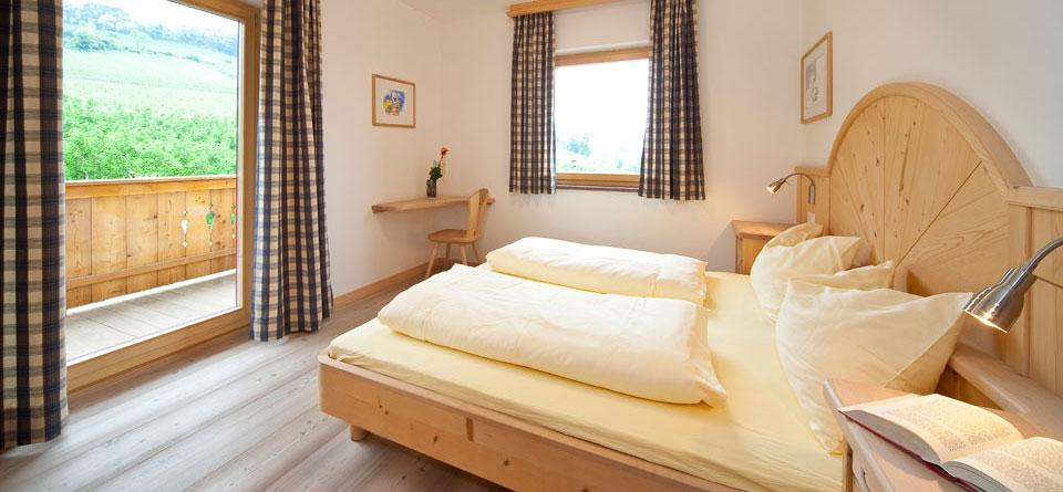 unsere ferienwohnungen ferienwohnung eppan s dtirol ferienwohnung kalterer see. Black Bedroom Furniture Sets. Home Design Ideas